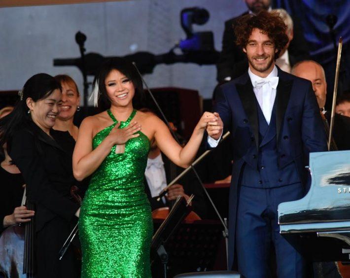 Yuja Wang, Lorenzo Viotti and the Münchner Philharmoniker at Klassik am Odeonsplatz. Photo: Marcus Schlaf